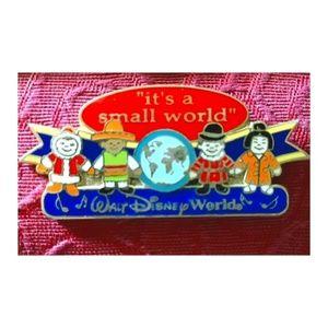 🌎Disney's It's a Small World Pin